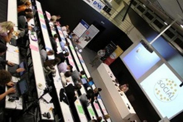 """Konference """"Nový svět firemní spolupráce: SOCIAL BUSINESS"""""""