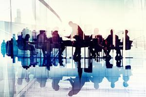 Předsedové představenstev napříč Evropou (2/2): Jak jednají s akcionáři a jak vedou jednání