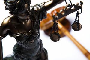 Vyšetřování regulátorem (1/2): Přináší příležitost pro inside trading