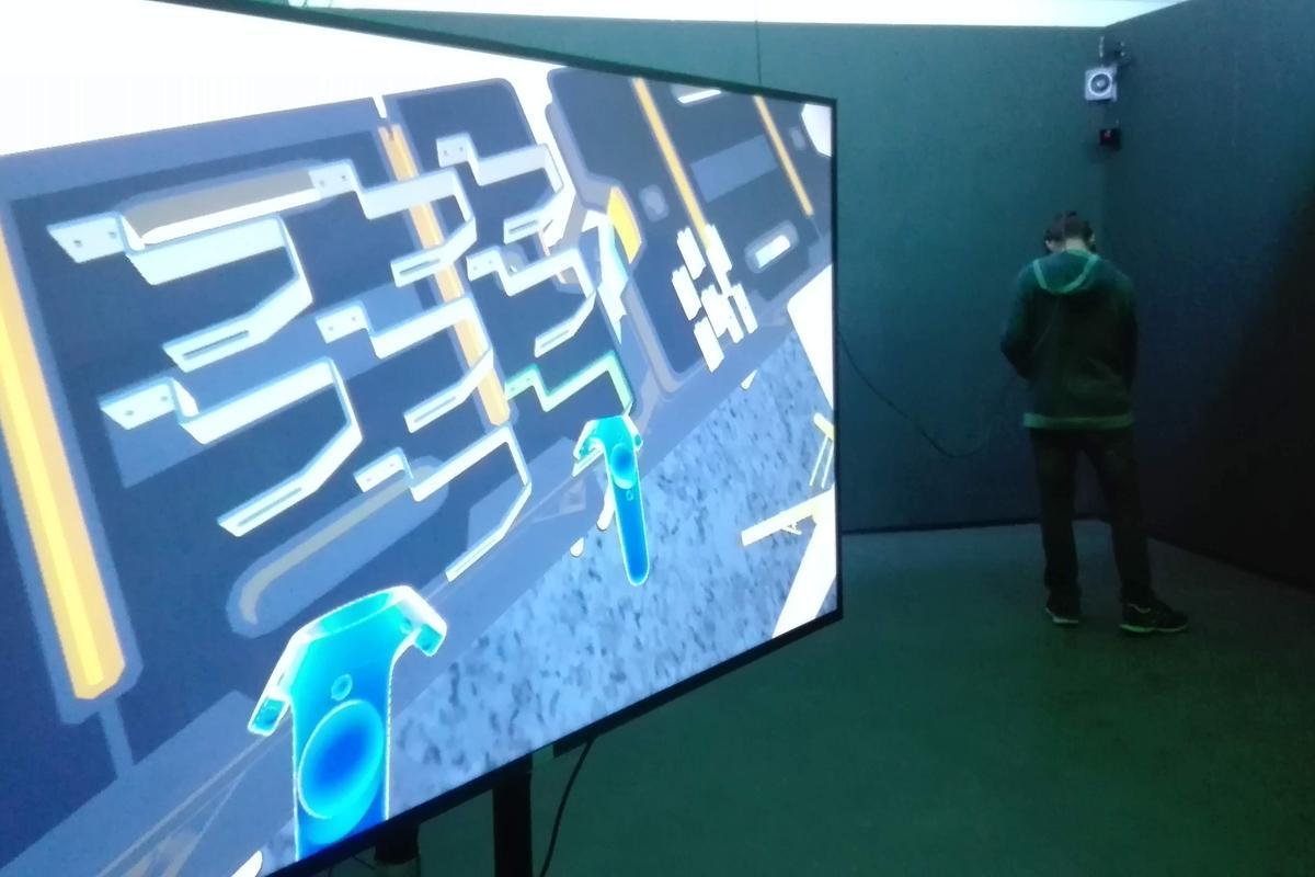 místnost virtuální reality SPŠE Plzeň