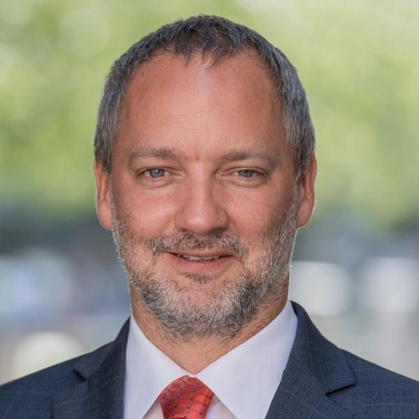 Petr Brabec, EY
