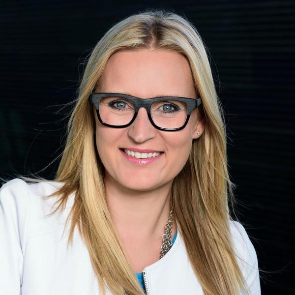 Veronika Brázdilová, Vodafone